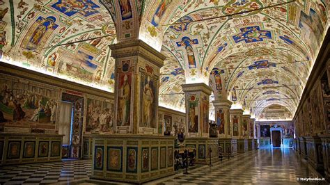 Pictures of the Vatican Museums, Rome - Italy - ItalyGuides