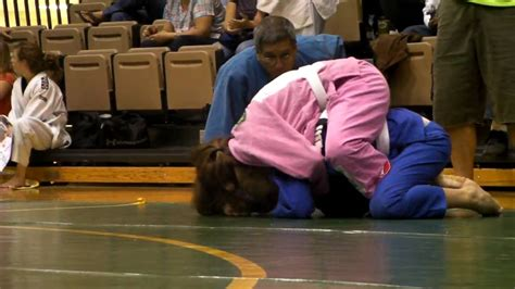 Hoosier Open 2009(Girl beats boy 2) - YouTube