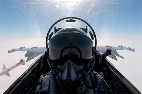 Missile selfie: Did this Aussie pilot just take the best