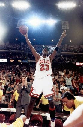 MJ vs Lebron after 10 years in the NBA! - Daily Snark