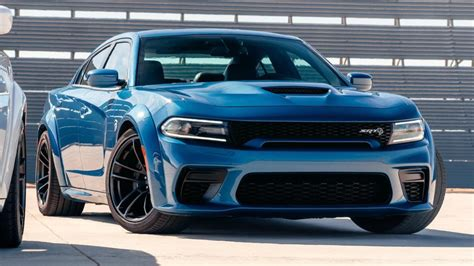 Dodge Charger - recenze a ceny   Carismo