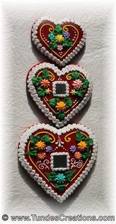 Mezesmanna images | hungarian gingerbread | Decorated